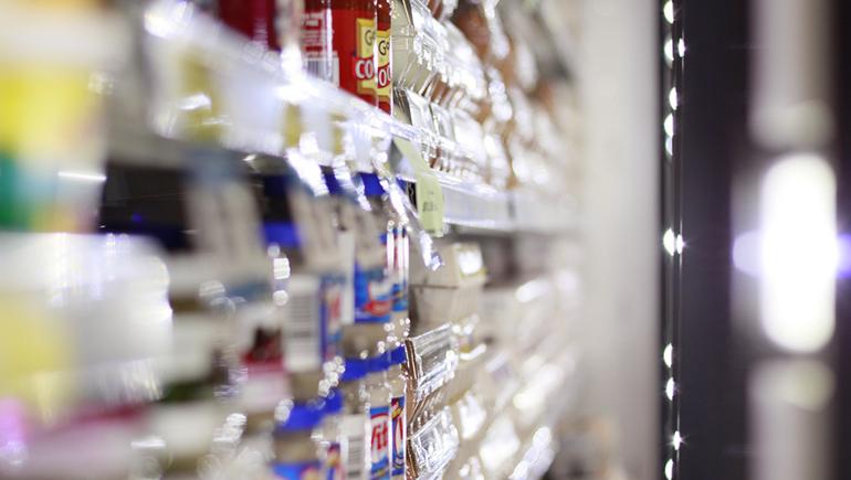 Os cuidados na hora de comprar alimentos no mercado
